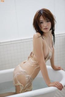 mai-hakase-takes-bath-gi-11