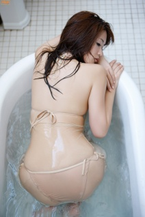 mai-hakase-takes-bath-gi-14