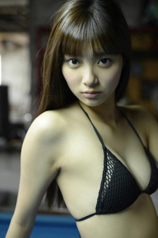Yua Shinkawa in swimsuit (新川優愛) (1/6)